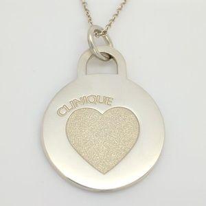 Tiffany&Co Clinique heart pendant necklace